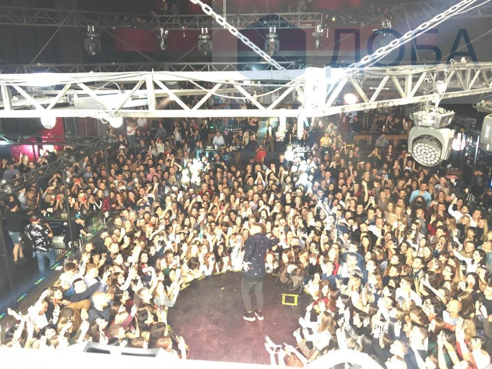 MONATIK розпочав свій виступ у Тернополі. Зал був заповнений вщерть (ФОТО)