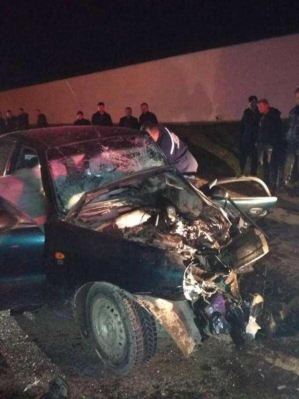 Масштабна аварія на Тернопільщині: автомобілі понівечені, водій загинув (ФОТО +18)