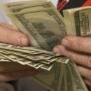 Українців, які працюють за кордоном, змусять заповнювати декларації про доходи