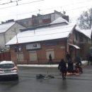 У Тернополі велосипедист із милицею потрапив у аварію (ФОТО)