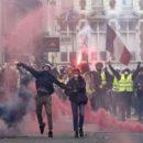 Вічне питання для українців: чому ми не любимо владу?