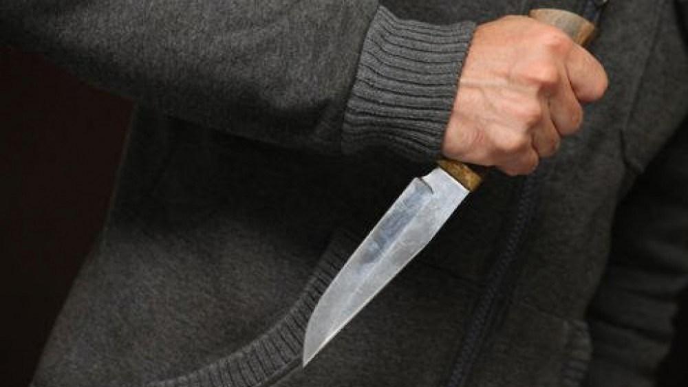 На Тернопільщині господар житла кухонним ножем вдарив гостя
