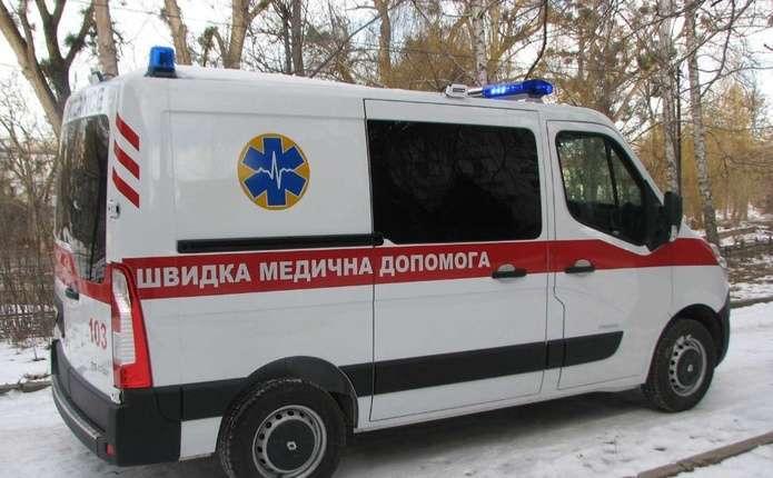 """У Тернополі фармацевт 40 хвилин рятувала чоловіка, поки їхала """"швидка"""""""