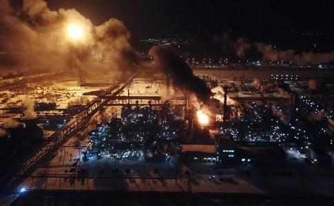 Назвали причину пожежі на хімічному заводі на Західній Україні