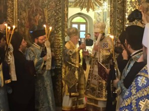 Митрополиту Київському передали Томос про автокефелію