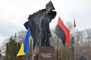 Мер Тернополя привітав українців з днем народження Бандери