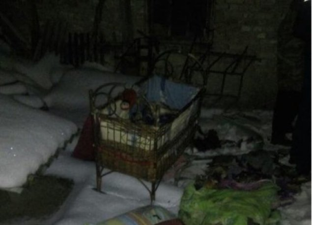 Ліжечко стояло біля пічки: на Тернопільщині загинуло немовля (ФОТО)