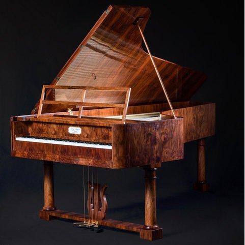 На Тернопільщині виявили фортепіано, яке є копією інструмента Шопена (ФОТО)