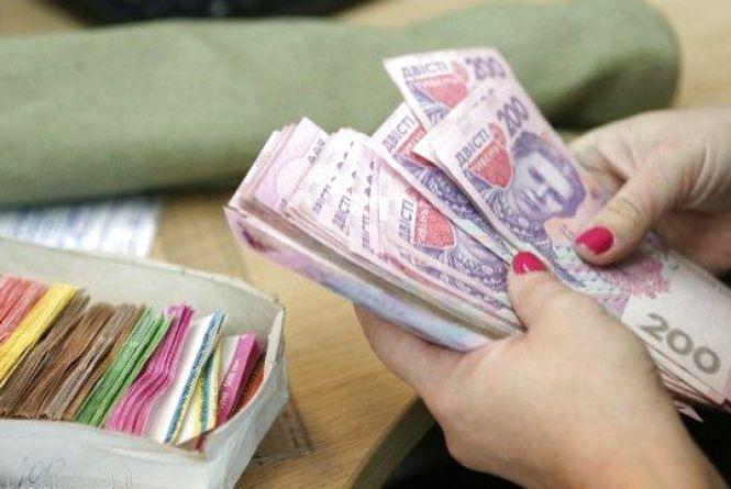 Середня зарплата на Тернопільщині уже перевищила 8300 гривень