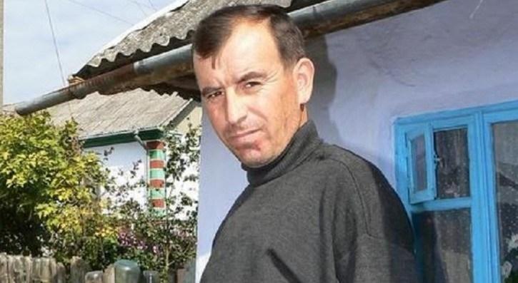 """""""Уже їдуть навіть з-за кордону"""": цілитель із Тернопільщини ладнає кістки та хребти (ФОТО)"""