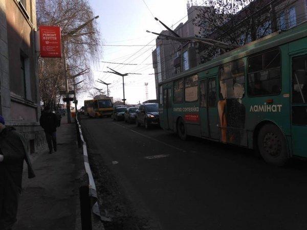 Як у Тернополі водій маршрутки порушує правила (ВІДЕО)