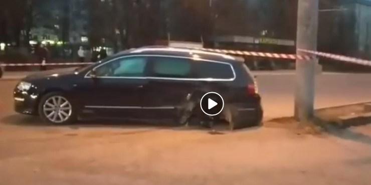 У Тернополі зіткнулися Subaru та Volkswagen. За кермом однієї автівки була дитина (ВІДЕО)