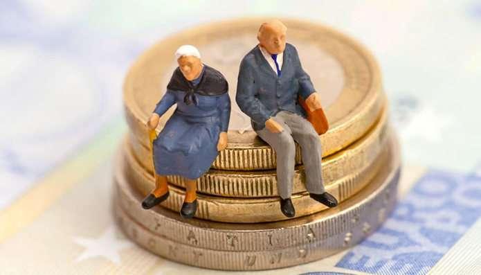 Кому не перерахують пенсію у березні