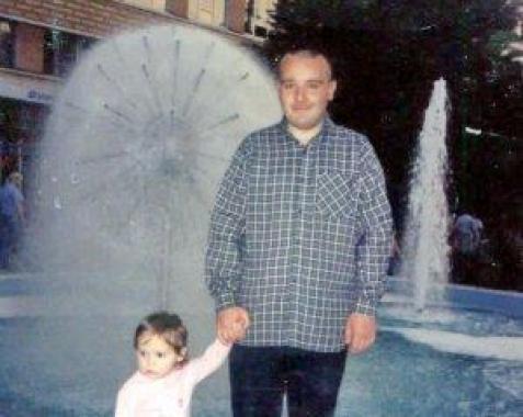 У Тернополі батько, який сам виховує донечку, просить допомоги
