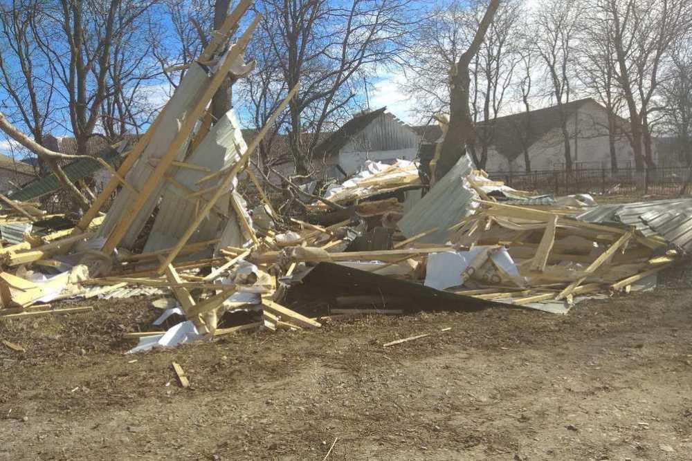 Негода у п'ятьох районах Тернопільщини наробила біди (ФОТО)