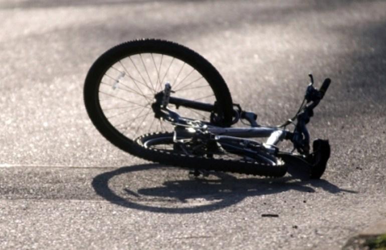 """На Тернопільщині водій на """"ВАЗі"""" збив велосипедиста"""