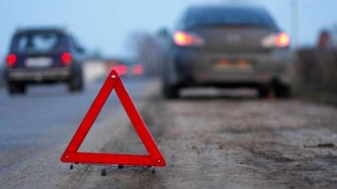 """На Тернопільщині водій на """"Мерседесі"""" збив насмерть дитину і втік"""