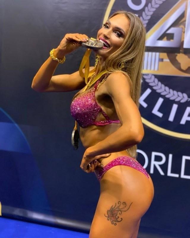 Тернополянка показала розкішне тіло: жінка вдруге стала чемпіонкою світу з модельного фітнесу (ФОТО)