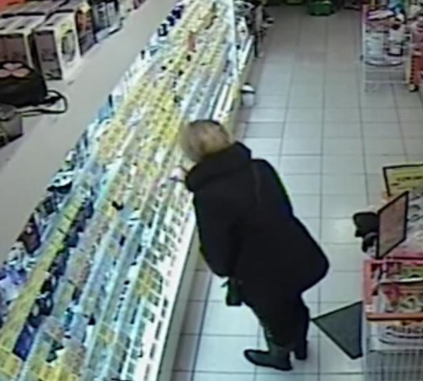 У Тернополі жінка зганьбилася в магазині (ВІДЕО)