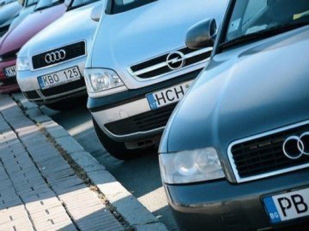 Розмитнення автомобіля «по знайомству» обійшлося чоловікові у 66000 гривень