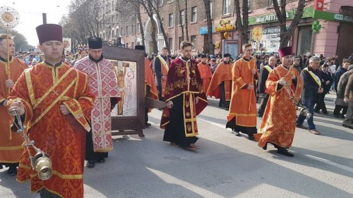Центром Тернополя пройшла багатотисячна Хресна хода (ФОТО, ВІДЕО)