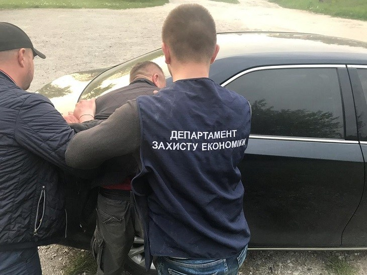 На Тернопільщині на хабарі спіймали заступника міського голови (ФОТО)