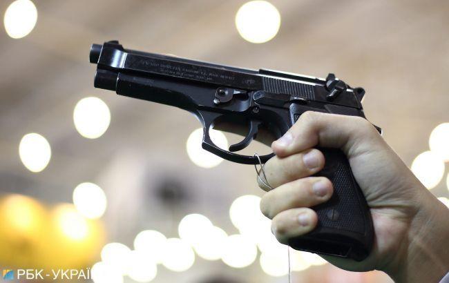 """""""Вчив """"ухилятися від куль"""""""": на Тернопільщині вихователь літнього табору стріляв у дітей зі зброї"""