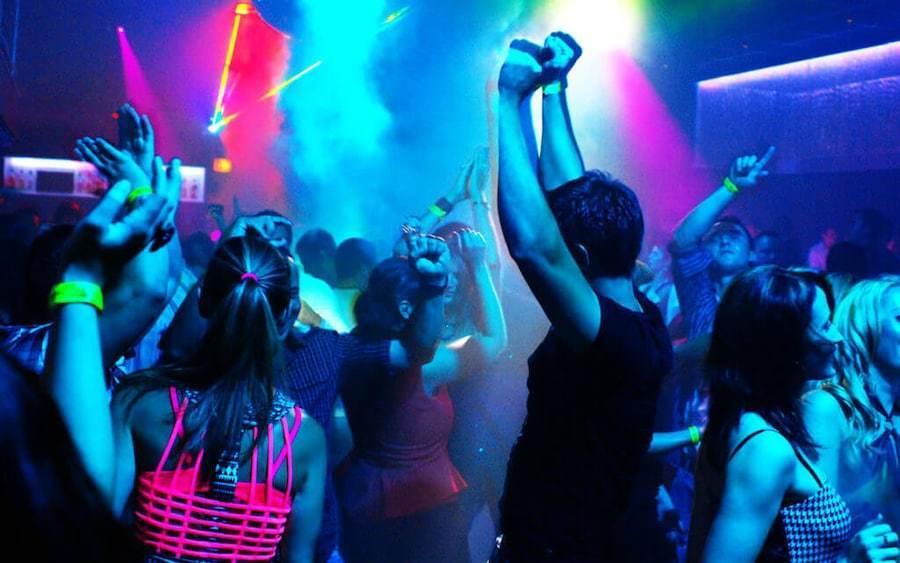 У Тернополі в нічних клубах пили, билися та антиморально поводилися