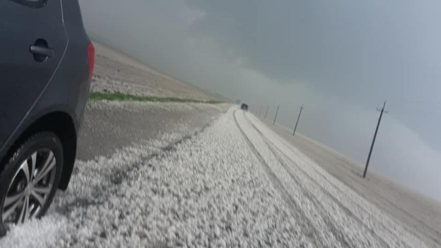 Негода повернулася: Тернопільщину засипало градом (ФОТО, ВІДЕО)