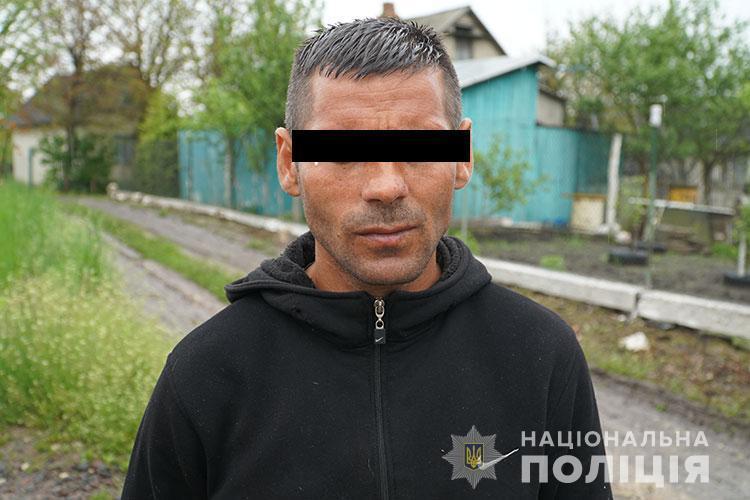 Спіймали чоловіка, який обкрадав дачі біля Тернополя (ФОТО, ВІДЕО)