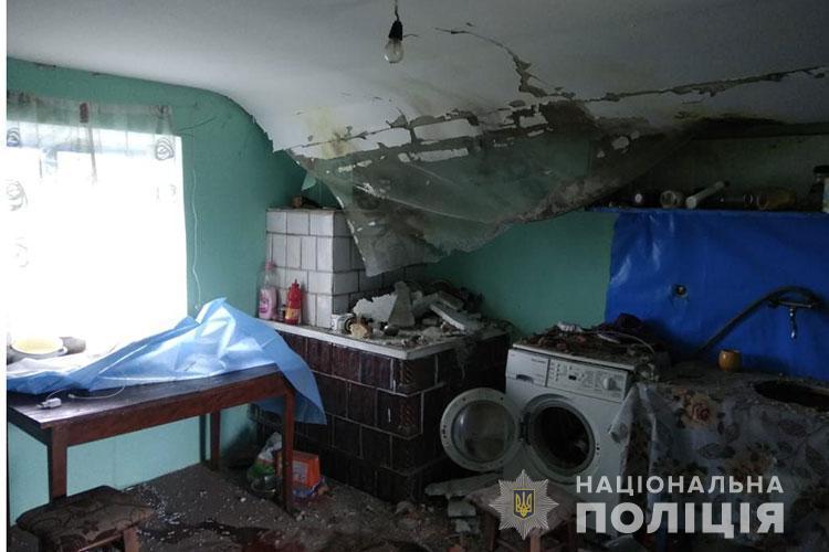 Трагедія на Тернопільщині: кульова блискавка влучила в будинок (ФОТО)