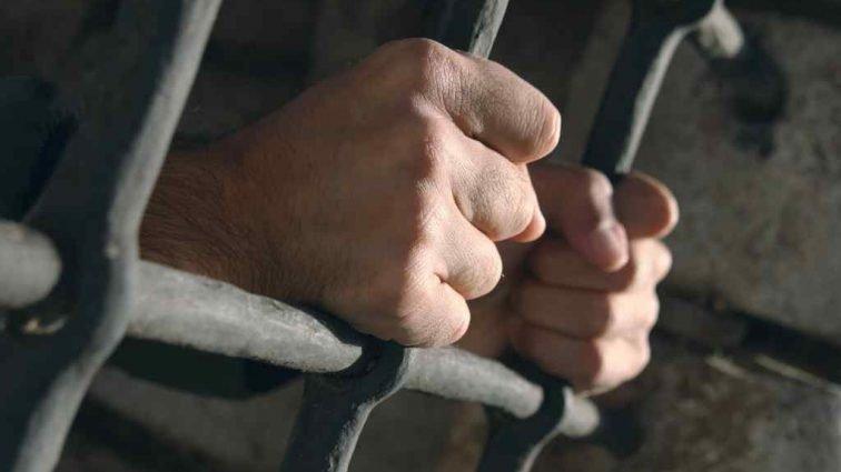 На Тернопільщині лікарі підробили документи, аби із колонії випустили засудженого за умисне вбивство