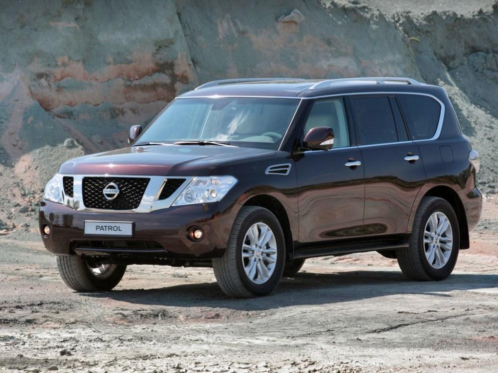 В екс-очільника міліції Тернопільщини вкрали позашляховик Nissan Patrol