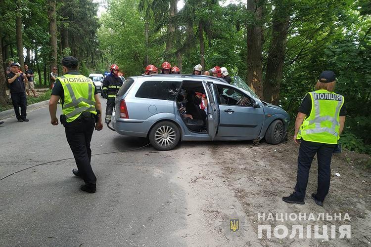 """Двоє людей загинуло: моторошна аварія біля """"Дальнього пляжу"""" (ФОТО)"""