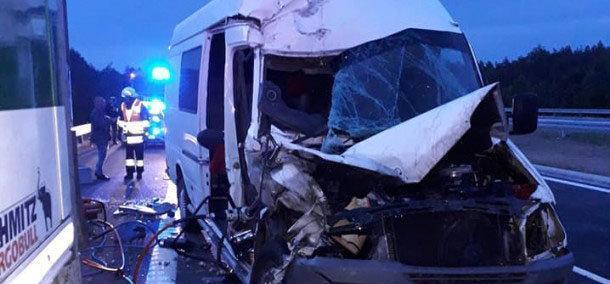 У Польщі в ДТП загинула 16-річна українка: атобус з тернопільською реєстрацією розлетівся на частини (ФОТО)
