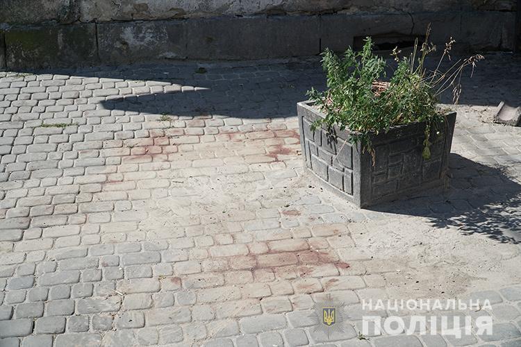 У Тернополі вночі вбили хлопця (ФОТО)