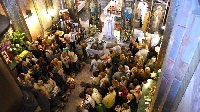 Папа римський створив окремий екзархат для заробітчан