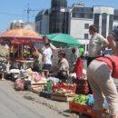 У Тернополі на ринку до продавців приходить фальшивий інспектор