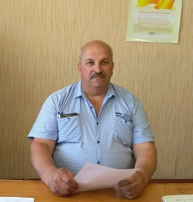 Не було квитків на поїзд і хтось запропонував підвезти автівкою: донька розшукує в Тернополі свого батька (ФОТО)