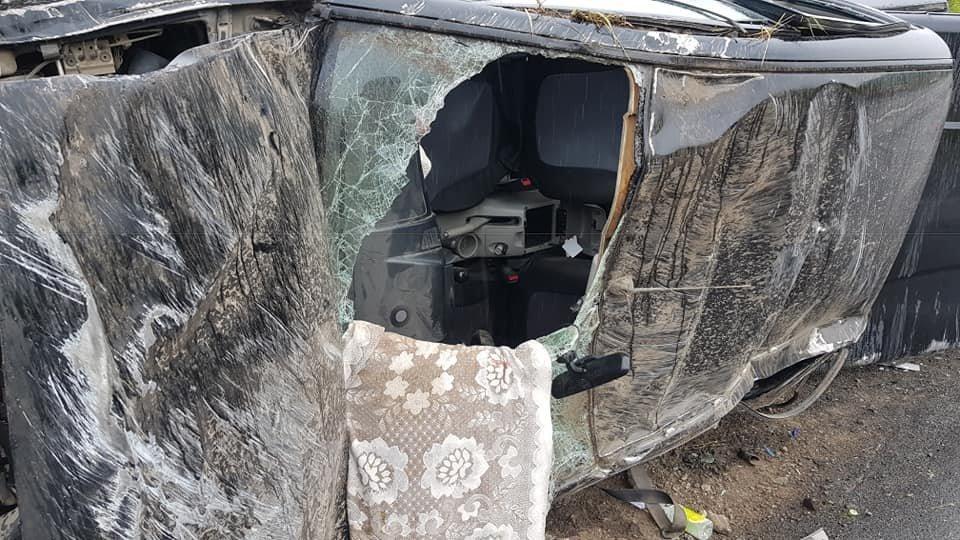 На Тернопільщині сім'я з дитиною потрапили у ДТП: водія занесло і авто перекинулося декілька раз (ФОТО)