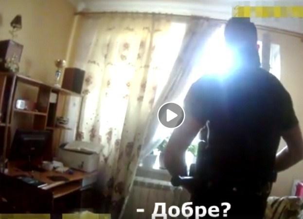 Тернополянин намагався вистрибнути із шостого поверху (ВІДЕО)