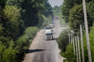Тернопільські шляховики показали, як фури «вбивають» дороги