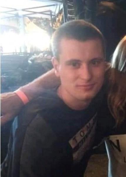 У Тернополі дівчата розшукують хлопця, якому забули віддати годинник (ФОТО)