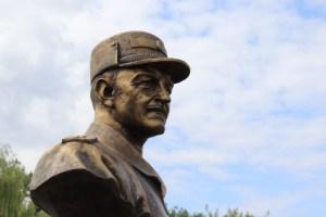 У Чорткові відкрили пам'ятник Герою України