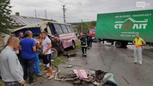 Від фури відірвався причіп. Нові деталі аварії за участю рейсового автобуса на Тернопільщині