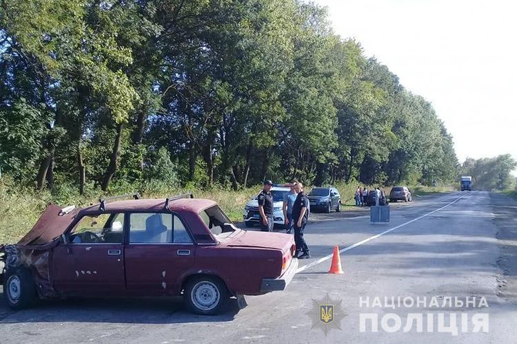 На Тернопільщині п'яний водій втік з місця ДТП. Є потерпілі (ФОТО)
