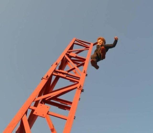 На Тернопільщині підлітки знайшли собі смертельно-небезпечну розвагу (ВІДЕО)