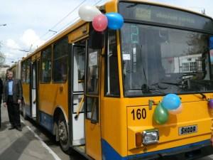 У Тернополі водіям тролейбуса готові платити 15 тисяч і більше