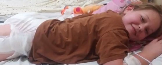 """""""Дівчинці важко ходити – сильне навантаження на хребет"""": тернополян просять допомогти 10-річній Софійці Копач (ВІДЕО)"""