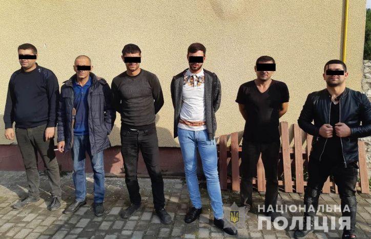 На заводі неподалік Тернополя працювали нелегальні мігранти з Азербайджану
